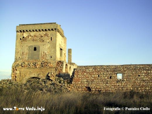 Masseria di Don Cesare, torre prima del crollo